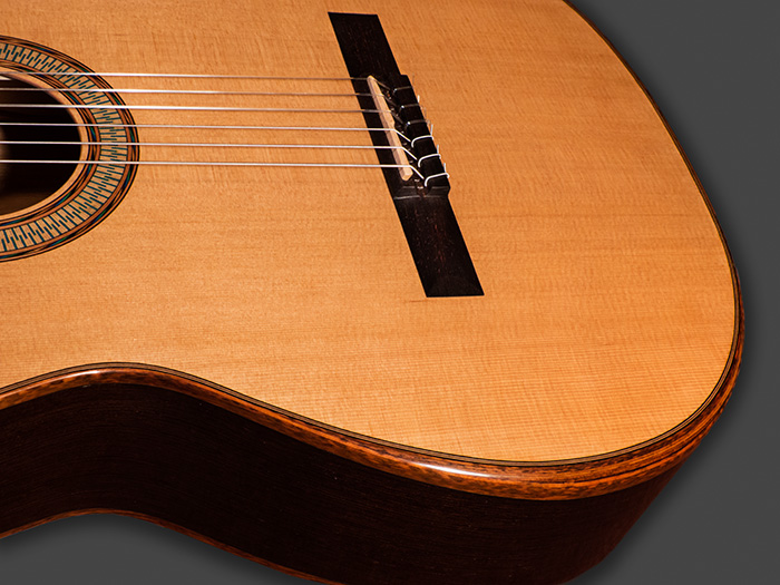Classical Guitars By Fritz Mueller Features